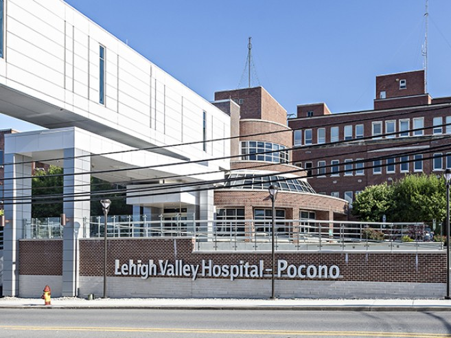 Main entrance Lehigh Valley Hospital-Pocono