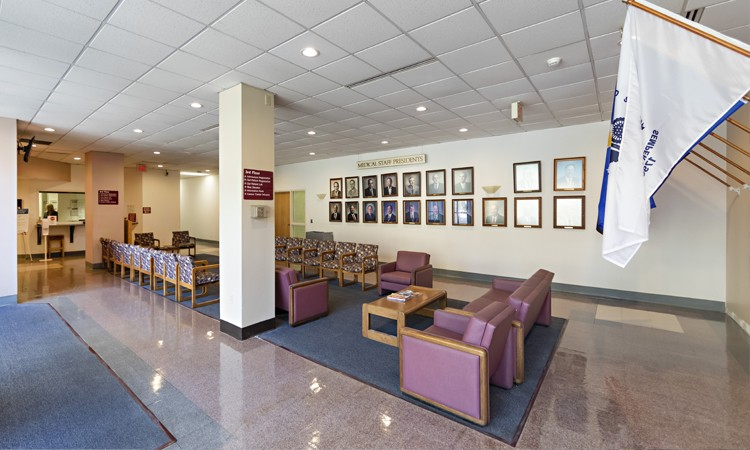 Admissions waiting area at Lehigh Valley Hospital–Schuylkill E. Norwegian Street