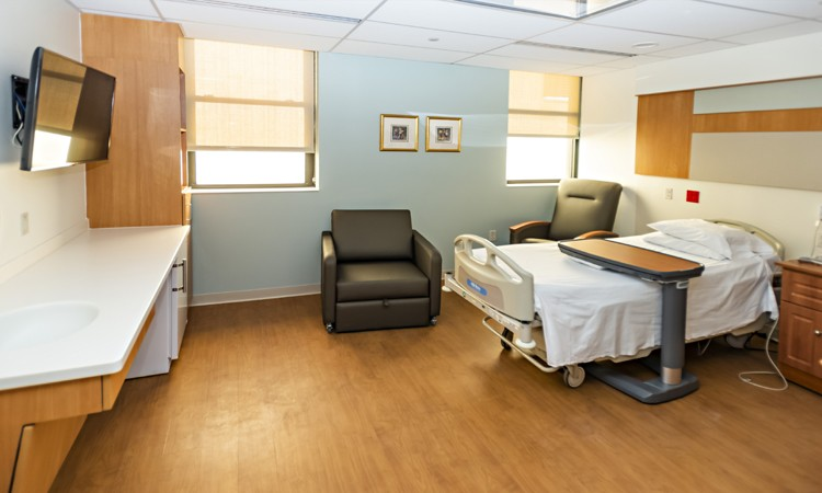 Private patient room in the Family Birth and Newborn Center at Lehigh Valley Hospital–Schuylkill E. Norwegian Street